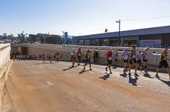 观众和赛跑者Marathon同志的在德班9 免版税库存照片