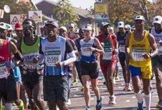 观众和赛跑者Marathon同志的在德班3 库存照片