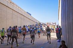 观众和赛跑者Marathon同志的在德班6 库存图片
