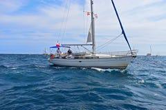 观众的游艇富豪集团海洋种族阿利坎特 库存图片