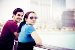 观光在迪拜的游人 库存照片