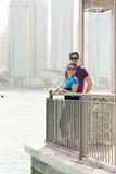 观光在迪拜的游人 免版税库存图片