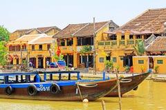 观光的小船在会安市,越南联合国科教文组织世界遗产名录 图库摄影