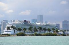 观光的巡航的看法在迈阿密 免版税图库摄影