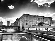 观光的柏林 在黑白的艺术性的神色 免版税库存照片