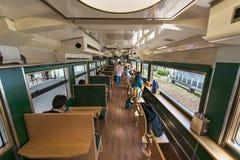 观光的火车佳丽montagnes和mer内部  免版税库存照片