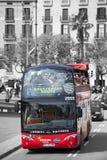 观光红色的游人 巴塞罗那西班牙 免版税图库摄影