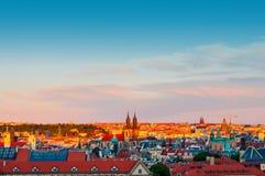 观察在日落的布拉格风景 免版税库存图片