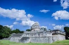 观测所或El在奇琴伊察考古学站点的Caracol在墨西哥 免版税库存图片
