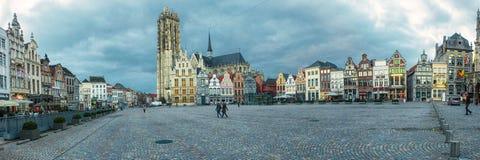 观点的格罗特Markt,梅赫伦 免版税图库摄影