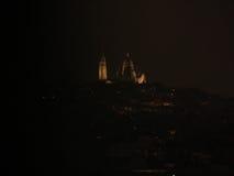观点的从凯旋门的Le Sacre-Coeur 免版税库存图片