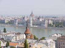 观点的从布达城堡的匈牙利议会 免版税库存照片