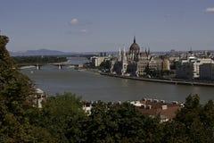 观点的从Citadella,布达佩斯的匈牙利议会 库存照片