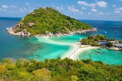 观点酸值陶海岛泰国Nang元海岛  免版税库存照片