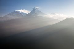 从观点Poon小山的视图到Annapurna 免版税图库摄影