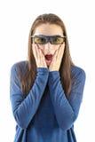 观看与3D玻璃的少年一部3D电影 免版税库存照片