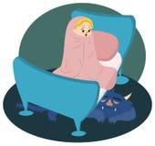 观看在睡觉的妖怪的小女孩在床下 免版税库存图片
