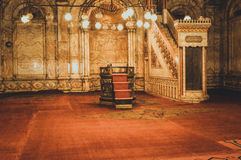 观看在老清真寺里面在开罗,埃及 免版税库存照片