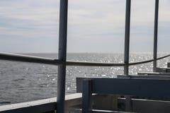 观看在边小船 免版税库存图片