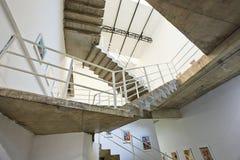 观看在画廊里面在北京大山子艺术区,中国 免版税库存照片