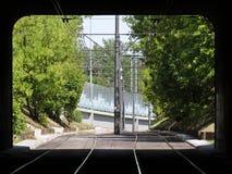观看在Gdanski桥梁,华沙,波兰的铁路隧道 免版税库存图片