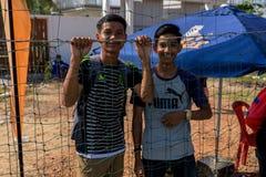 观看比赛的柬埔寨足球迷 免版税库存照片