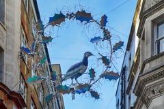 观看注视着圣诞灯在Slingsby放长的英亩在伦敦 免版税库存照片