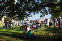观看的布里斯托尔气球节日 免版税库存照片