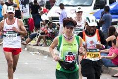 观看2014位同志Marathon公路赛的观众 库存图片