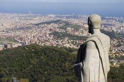 观看巴塞罗那的传道者雕象 免版税库存图片