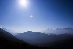 观看panaroma的攀登上面 免版税图库摄影