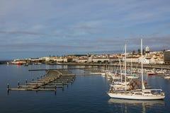 观看ponta delgada,圣地米格尔海岛小游艇船坞  免版税图库摄影