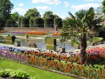 规则式园林kensington宫殿 库存照片