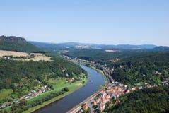 视图横向elbsandsteingebirge 免版税库存图片