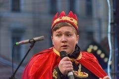 角色国王的未知的年轻演员为Chr的公民使用 库存照片