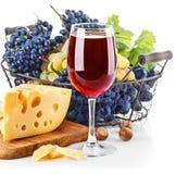 觚红葡萄酒用蓝色葡萄 库存图片