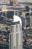 63 196 626解决以高旅馆豪华住宅房间服务故事视图为特色的街市迪拜 顶视图 免版税库存照片