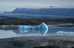 解冻河的风景 库存照片