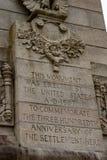 詹姆斯敦,弗吉尼亚- 2018年3月27日:300周年纪念的庆祝纪念碑在历史的詹姆斯敦, VA 免版税库存图片