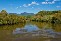 詹姆斯河,弗吉尼亚,美国的秋天视图 库存图片