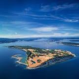詹姆斯海岛,海湾海岛的空中图象, BC,加拿大 库存图片