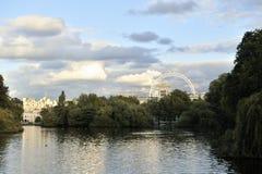 詹姆斯湖公园s st日落 免版税库存图片