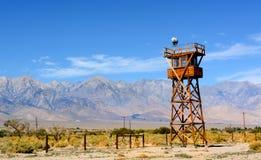 警卫塔在从二战的Manzanar拘留中心 免版税库存图片