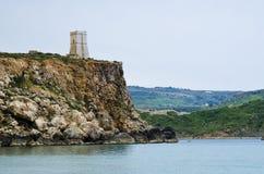 警卫塔,金黄沙子海湾,马耳他 免版税库存图片