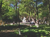 警察和艺术,以Martiros命名的早晨庭院萨良 库存照片