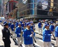 警察在纽约, NYC, NY,美国守卫一次游行 库存照片