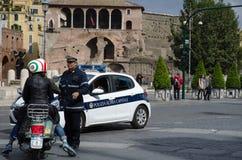 警察在罗马,意大利 库存照片