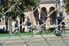警察在贝尔格莱德的中心 库存图片