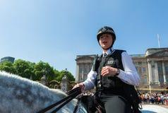 警察妇女画象 免版税库存照片