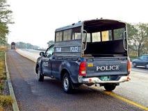 警察护送在巴基斯坦 免版税库存图片